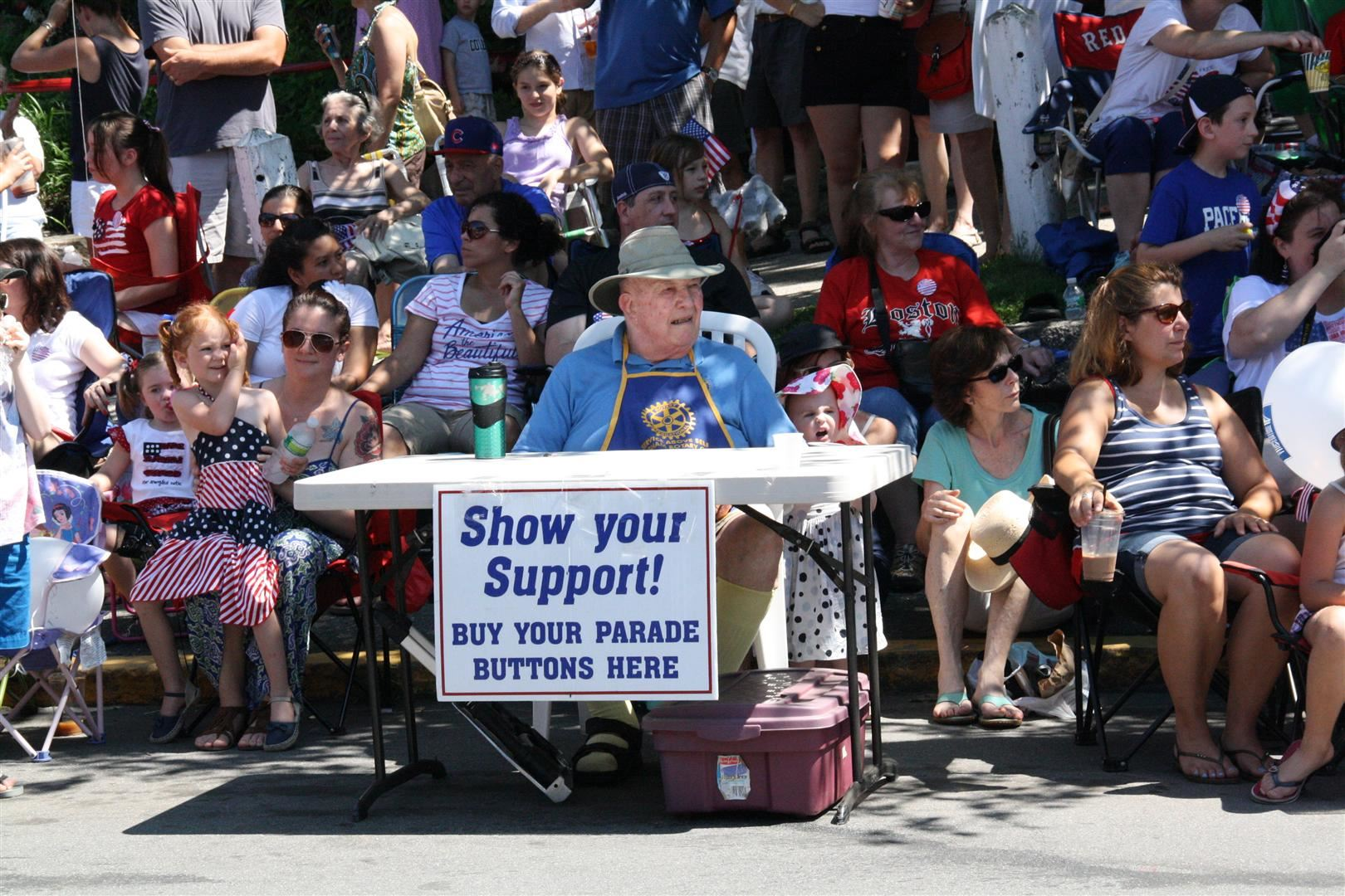 Parade Button Vendor