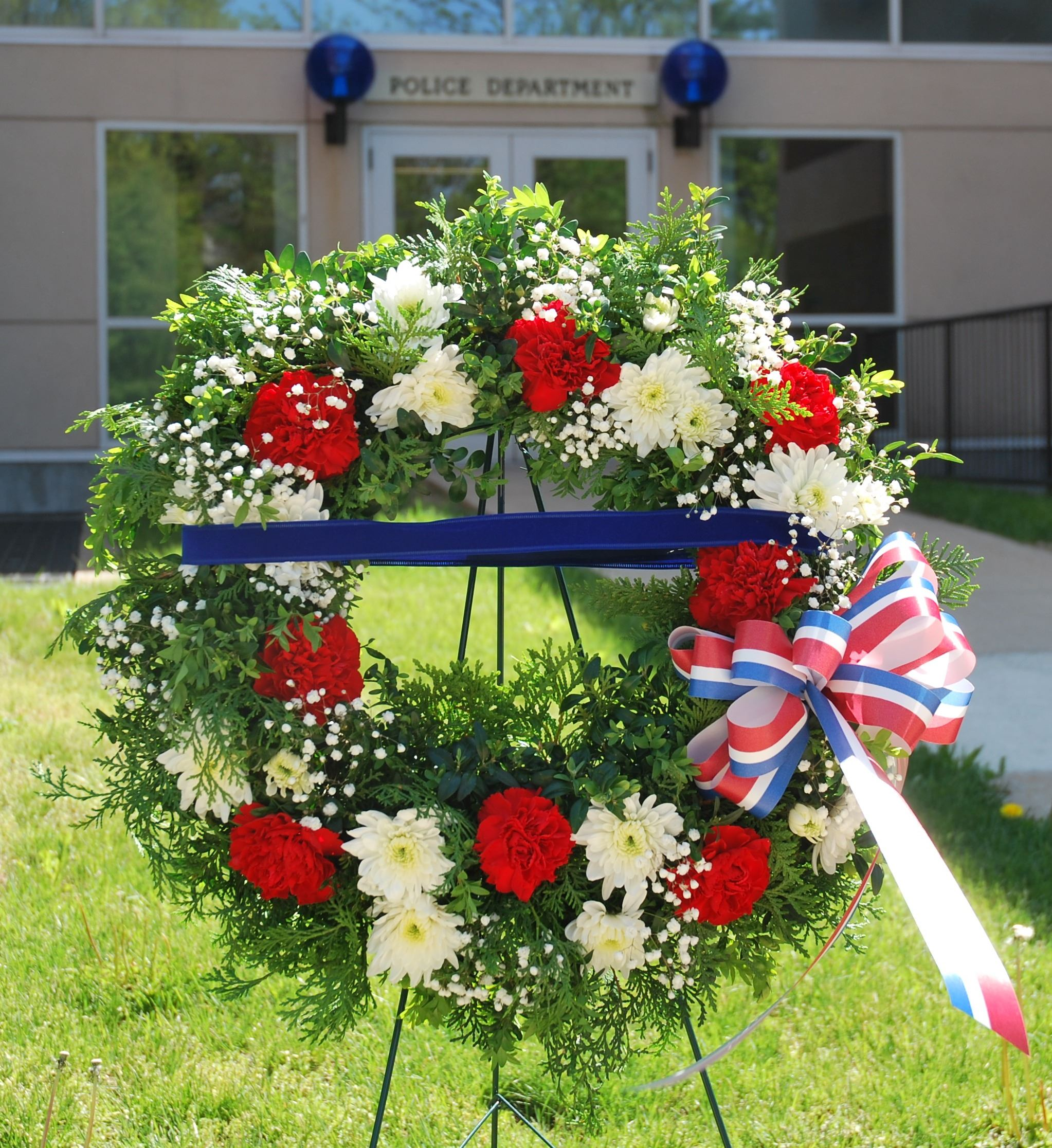 Wreath presented to the Police Department 2