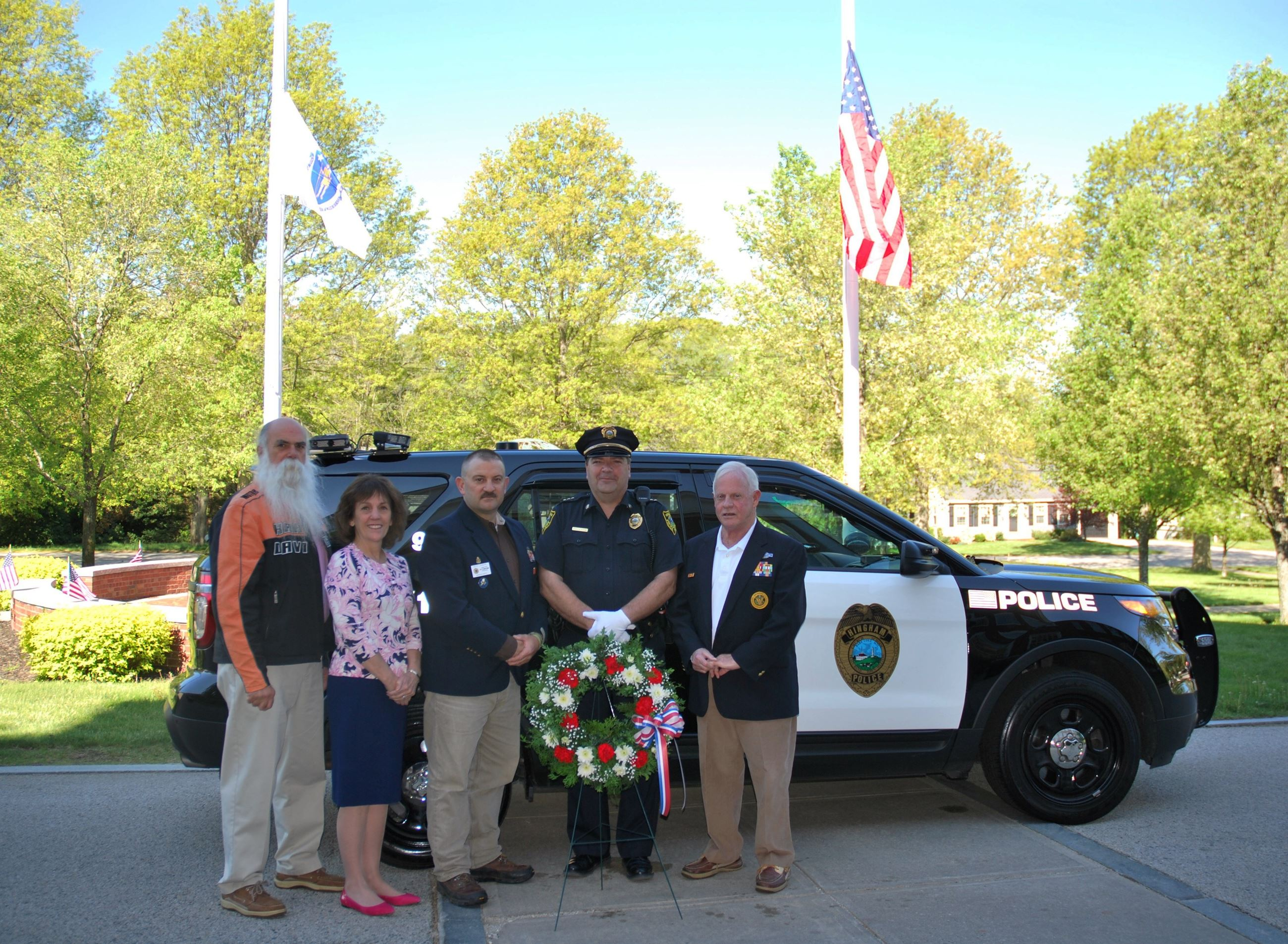 Wreath presented to the Police Department